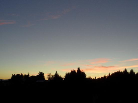 Cafe -Pension Feldbergblick: Sonnenuntergang auf unserem Balkon!