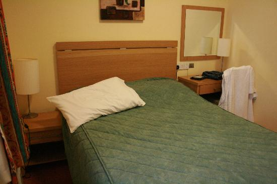 Hotel Isaacs Cork: Bedroom