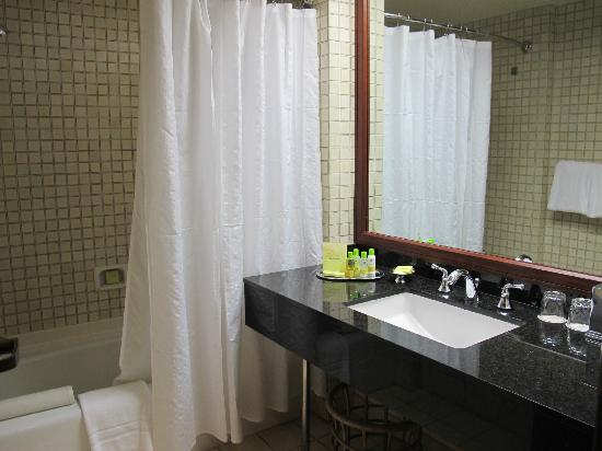 Makena Beach & Golf Resort: Rm 354 bathroom