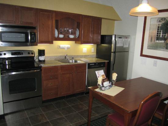Residence Inn Houston Medical Center/NRG Park: Kitchen and Breakfast Nook