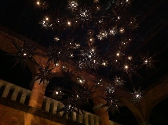 La Fonda de San Miguel Arcangel: light fixture