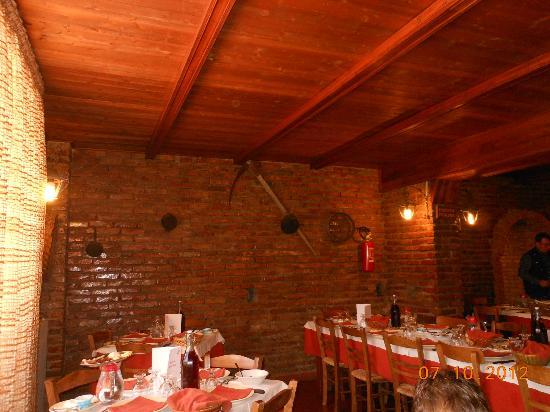 Agriturismo Valle del Salto: una delle sale ristorante