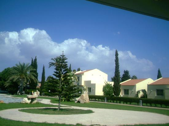 Makronisos Holiday Village: View from reception to room 115