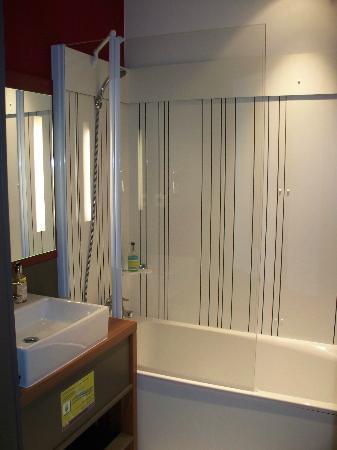Suite-Home Aix en Provence Sud : Bathroom