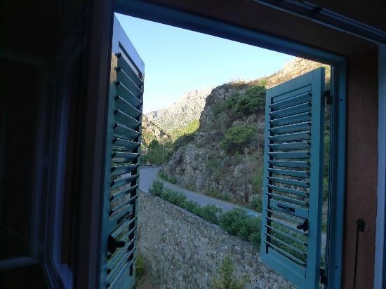 Les Jardins De La Glaciere: View from our window