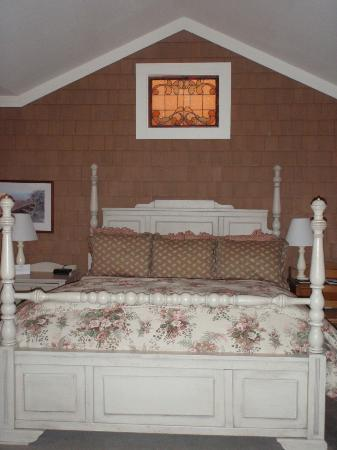 Lake Opechee Inn and Spa: Fairytale bed
