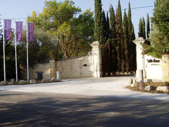 Suite-Home Aix en Provence Sud : Entrance