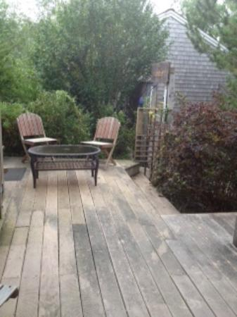 Four Gables Cottages: deck