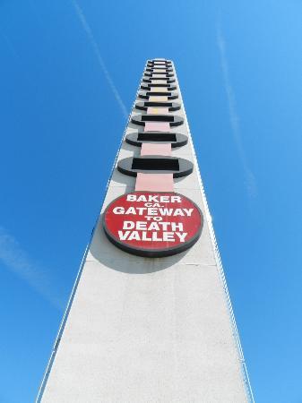World's Tallest Thermometer: Baker