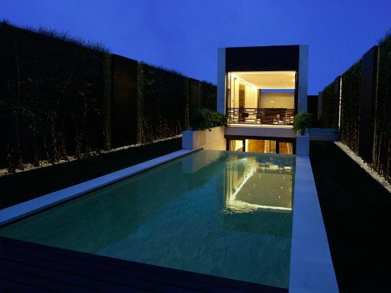 eqUILIBRIA SEMINYAK: Signature Villa - Pool & Garden