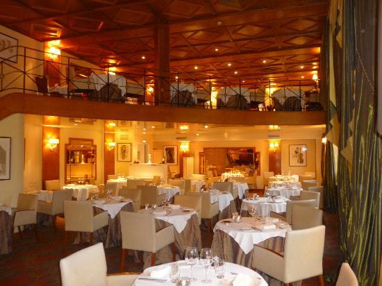 Le Vilargene : La salle du restaurant
