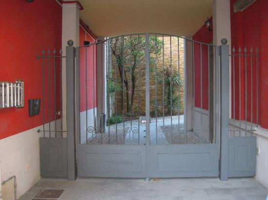 La CorteNuova Residence: 入口处