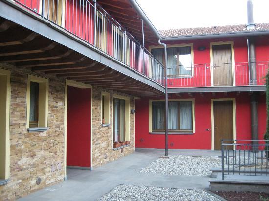 La CorteNuova Residence: 院子