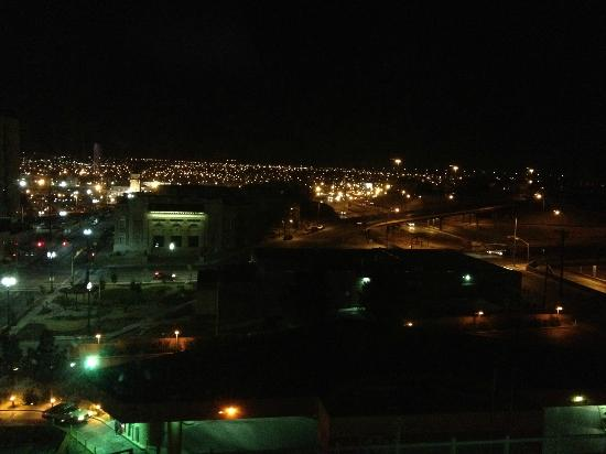 Doubletree Hotel El Paso Downtown/City Center: Vista al oeste de El Paso