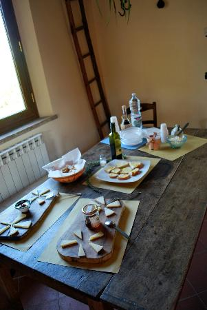 Take Me Out in Tuscany: Cheese Tasting