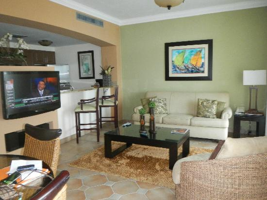 Las Casitas Village, A Waldorf Astoria Resort: Villa Living Room