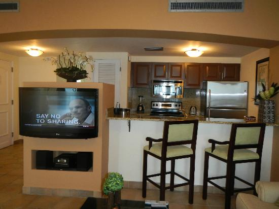 Las Casitas Village, A Waldorf Astoria Resort: Kitchen Area