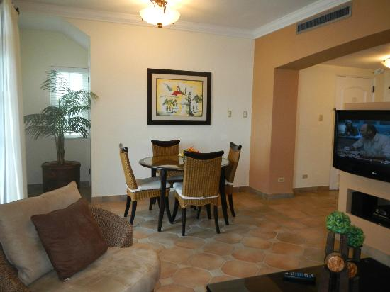 Las Casitas Village, A Waldorf Astoria Resort : Dining Room