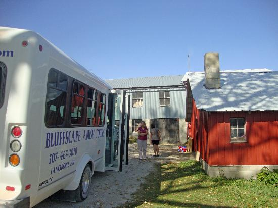 Bluffscape Amish Tours : Our first farm stop