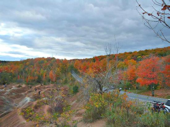 Caledon, Kanada: Autumn-Best time to visit Badlands to see the Fall Colours