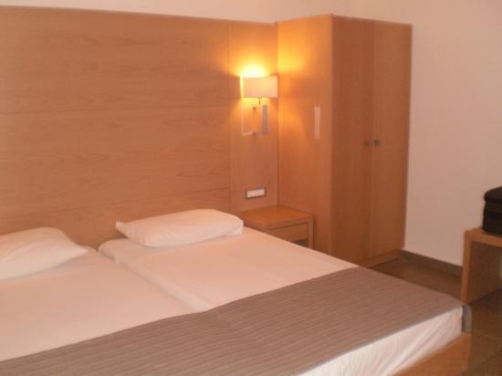 Island Blue Hotel: Room