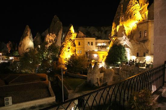 Cappadocia Cave Suites: View at night
