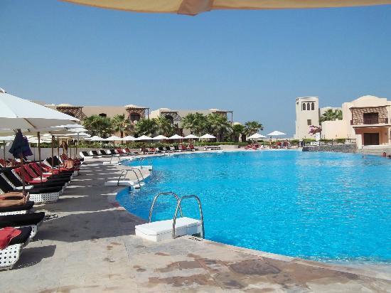 Cove Rotana Resort Ras Al Khaimah: just blue