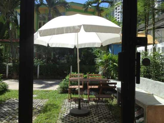 House23: Outside look from lobby~