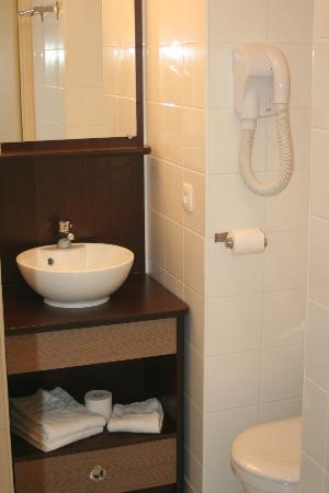 Appart'City Brest Place de Strasbourg : La salle de bain