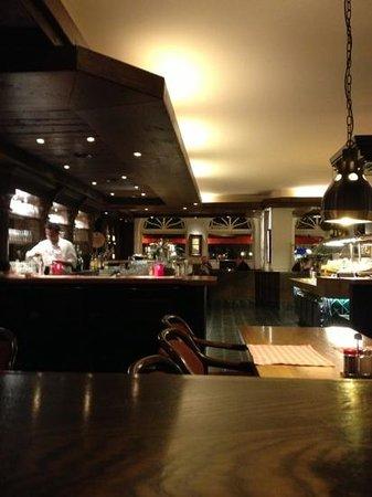 10 restaurants nahe novum hotel kronprinz hamburg hauptbahnhof. Black Bedroom Furniture Sets. Home Design Ideas