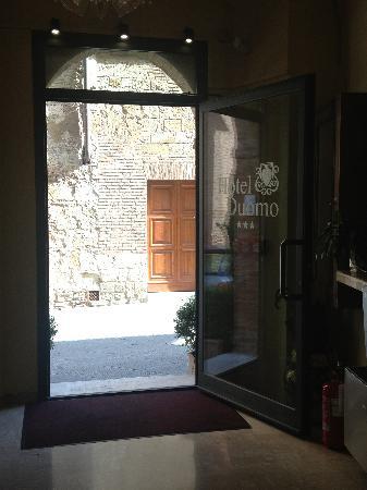 Albergo Duomo: Entrance