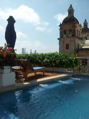 Casa Claver Loft Boutique Hotel: Rooftop terrace and swimming pool