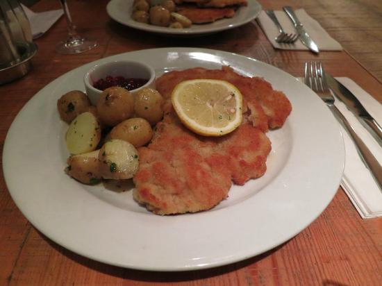 Kipferl: The Schnitzel was well cooked