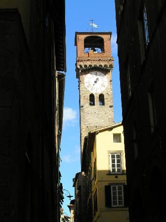 Lucca, إيطاليا: Torre del l' Orologio - l'horloge 