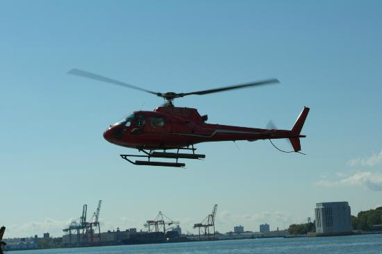 Manhattan Helicopters : Helicopter