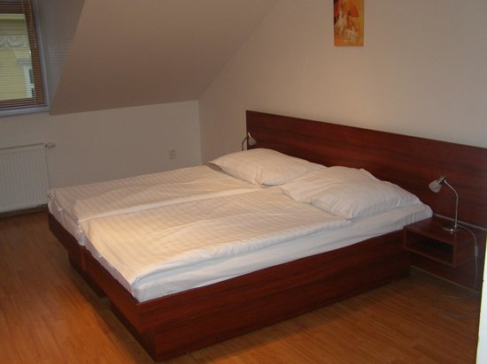 ApartHotel Susa: Double bed