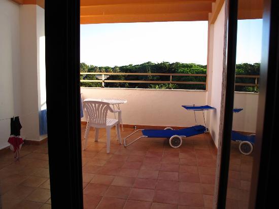 Hotel Oasis: Balcony