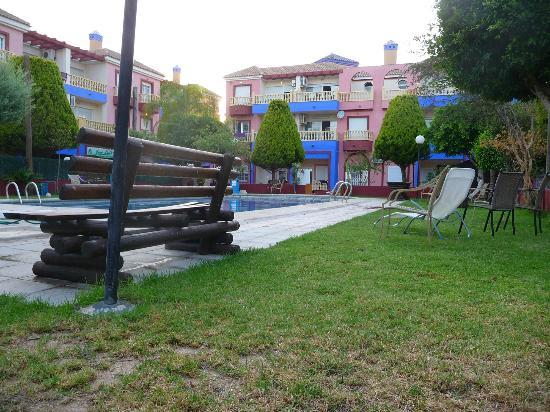 Apartamentos Marina Internacional : piscine