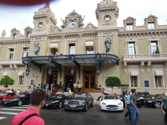 Liven Up Tours : Monaco. Casino.