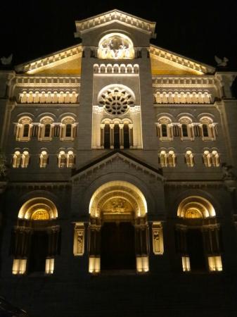 Liven Up Tours : Monaco. Catedrale