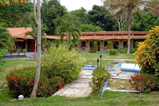 Hotel Posada La Bokaina: Hotel and Zen garden
