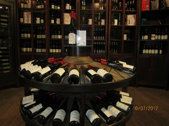 Vineland Estates Winery Restaurant: Vineland Estates Winery Store