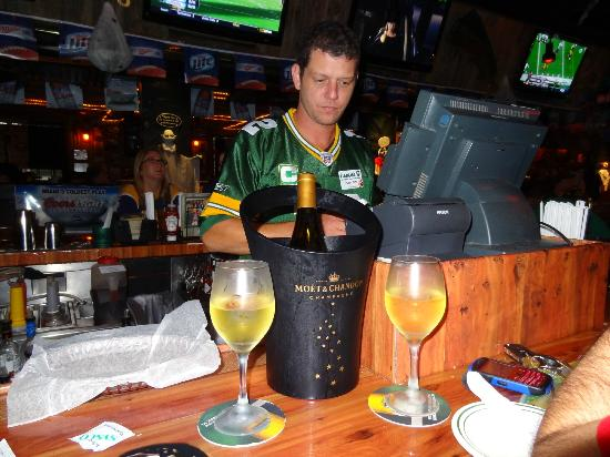 Flanigan's Seafood Bar and Grill: The Bar