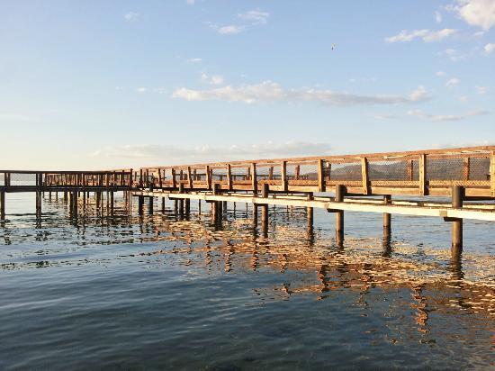 Aston Lakeland Village Beach & Mountain Resort: Private pier on the resort