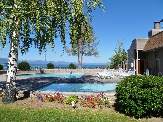 Aston Lakeland Village Beach & Mountain Resort: Pool and private beach