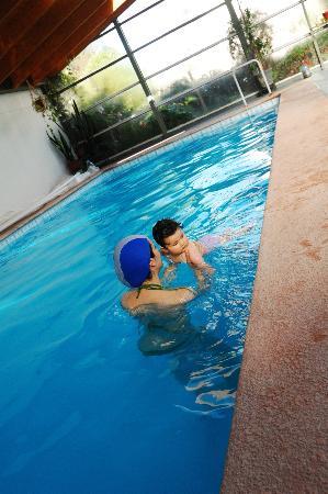 Spa Algarrobo: piscina temperada...con nuestra hija