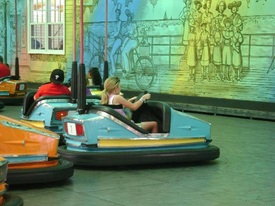 Morey's Piers and Beachfront Water Parks: Bumper cars