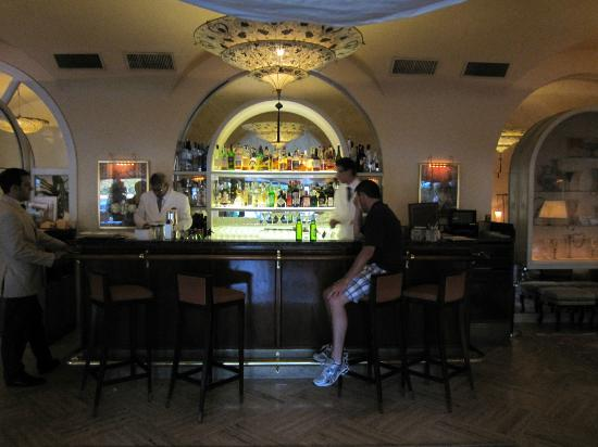 Belmond Hotel Cipriani: pool bar