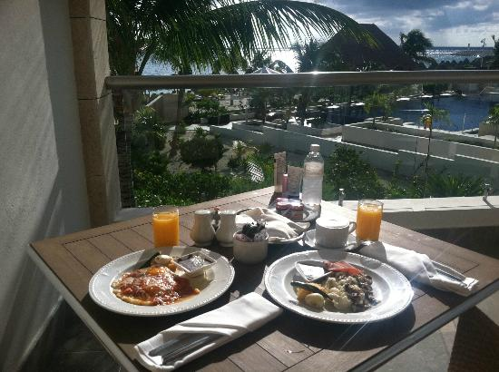 Beloved Playa Mujeres : We had room service every morning for breakfast