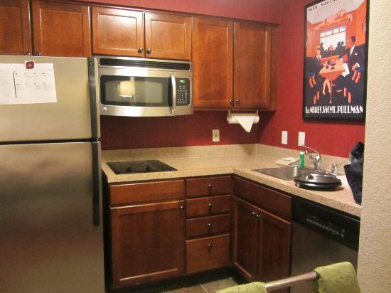 Residence Inn San Diego Rancho Bernardo/Scripps Poway: A bonus- a full kitchen